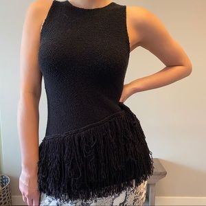 Tops - Fringed sleeveless knit top